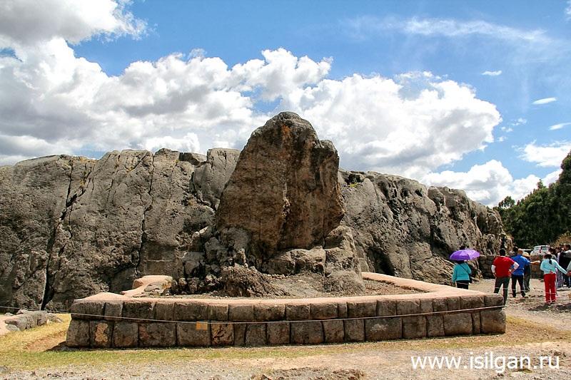 Kenko-Quenco-Svjashhennaja-Dolina-Inkov-Peru