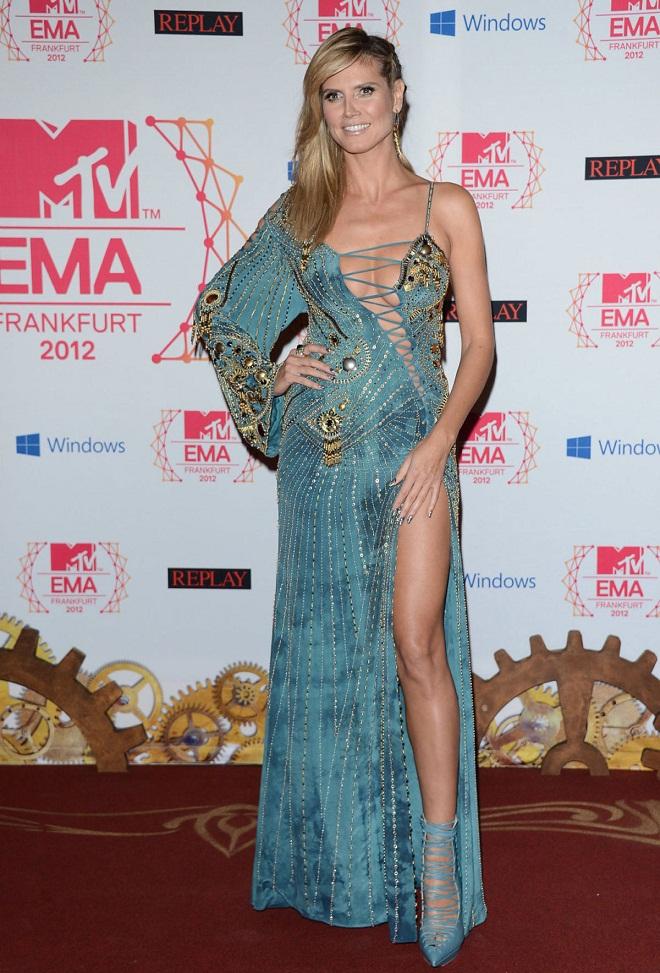 Heidi Klum Hosts The Mtv Emas 2012 In Six Different