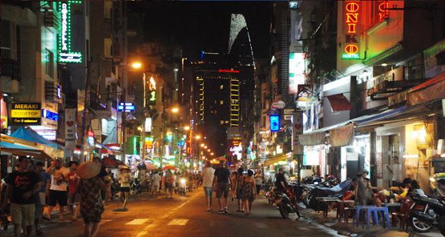 Bui Vien west street