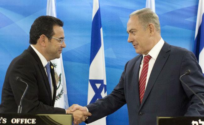Ironi Presiden Guatemala yang Akui Yerusalem Milik Israel; Dibelit Korupsi
