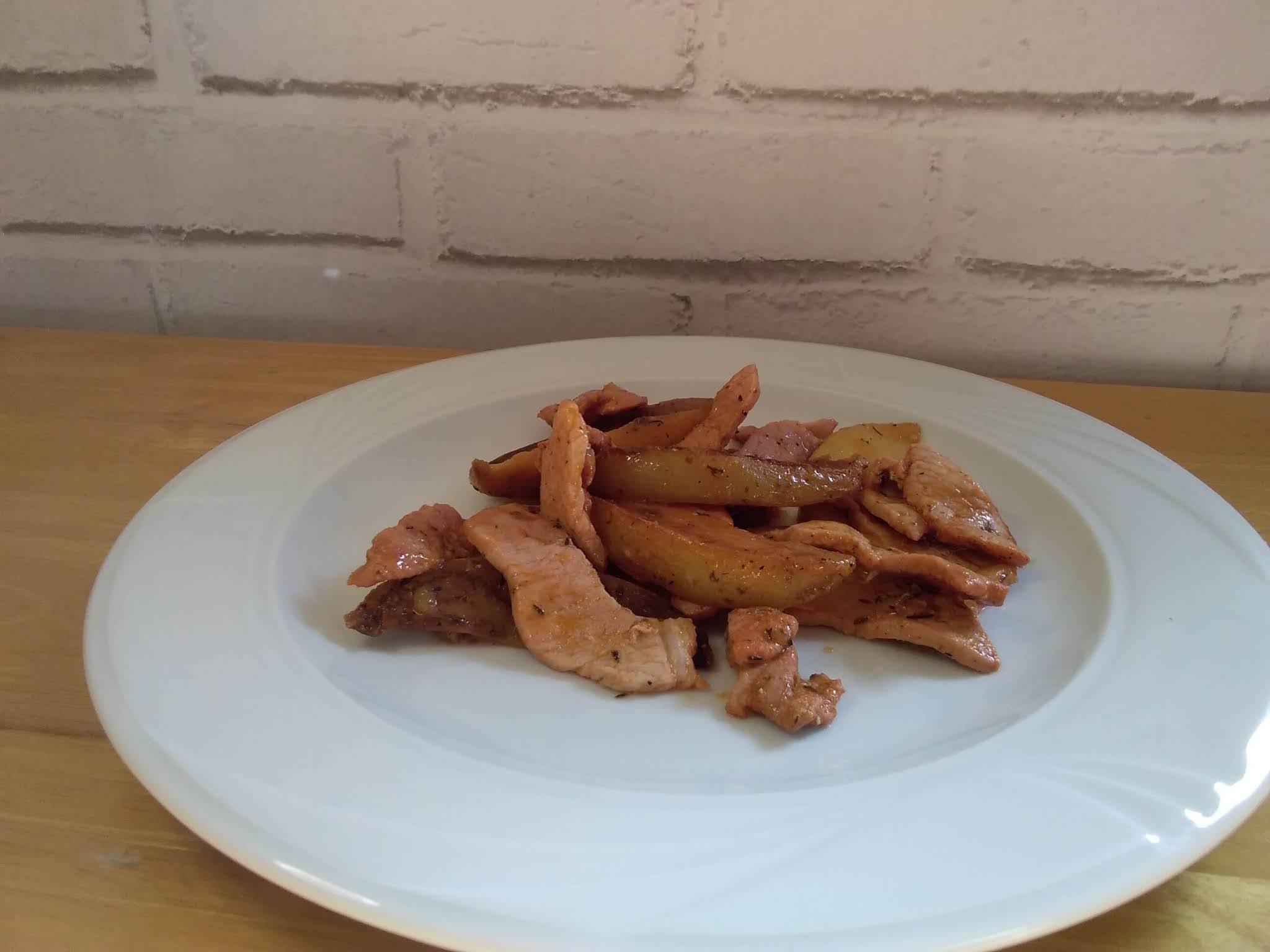 receta de lomo salteado con patatas especiadas