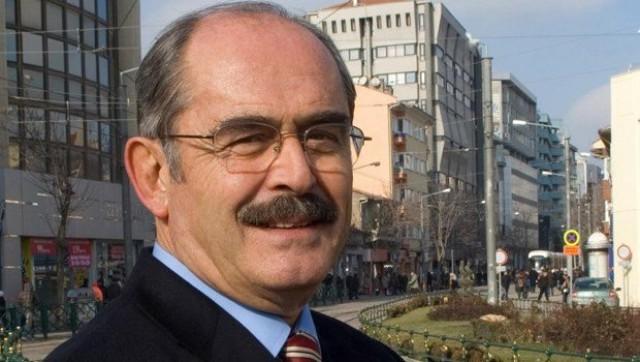 Yılmaz Büyükerşen'e 'büyük gözaltı' sürüyor