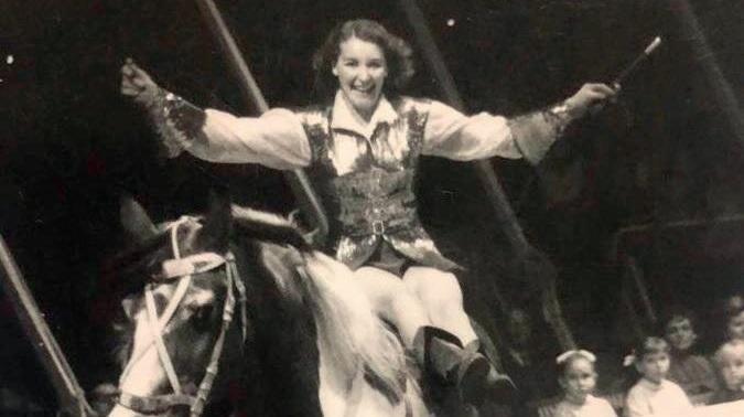 Dolores Caveagna e l'amore per il circo-famiglia