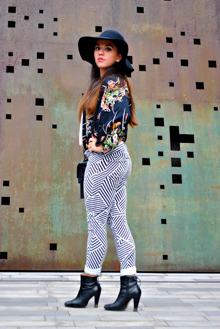 mix prints fashion