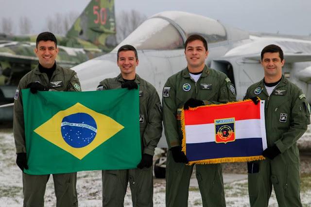 Brazilian pilots start transition Gripen