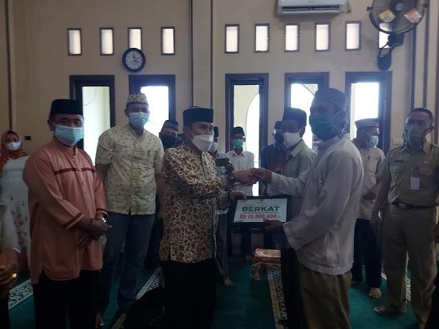 Pemkab Pesawaran dan Baznas Kembali Bagikan Paket Sembako