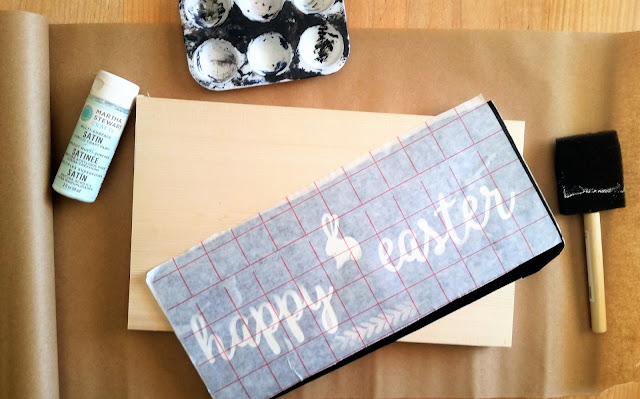 Easter DIY Wooden Sign using Silhouette Cameo - linaandvi.com