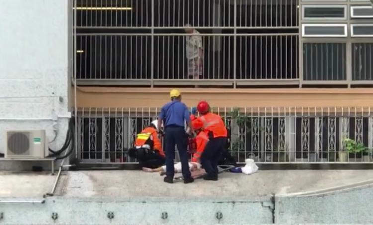 Pria ditemukan Kritis setelah Terjun dari Ketinggian di sebuah Bangunan di Tai Po