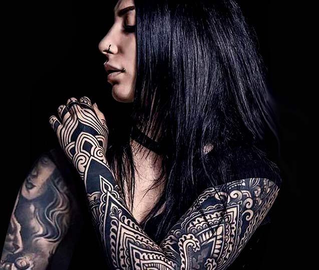 Tatuajes en negro puro