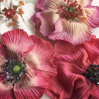 Grandes broches fleurs statement brooches La Fille du Consul