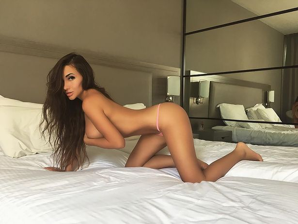 Kira Mayer ofereceu sexo a 3 polícias