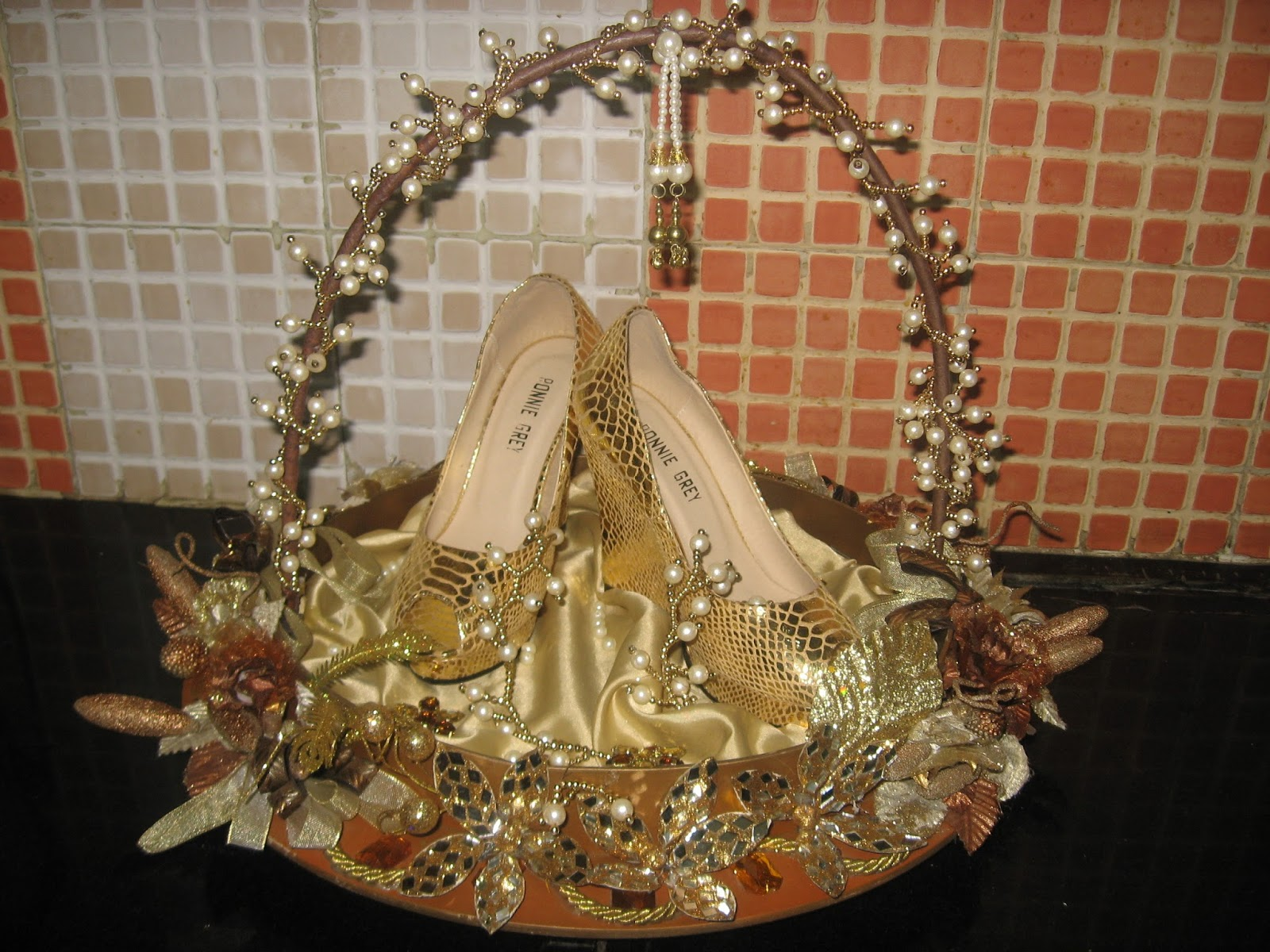 Wedding Gifts Packing Ideas: Rose N Wrap: Bridal Footwear Packing Done In A Beautiful