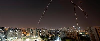 """Szélesedik a """"Fekete öv"""" • Rakéták Beér Sevára • A Légierő Hamasz-célpontokat támad"""