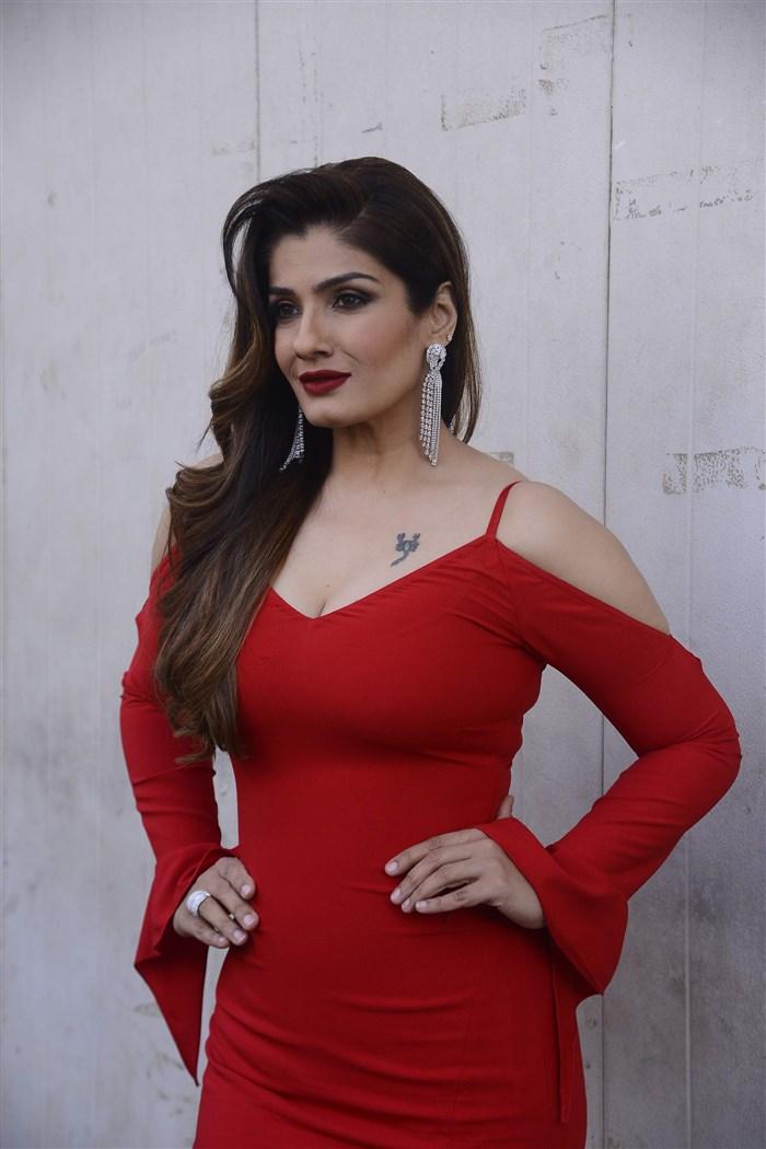 Indian Actress Hot Photos Without Dress