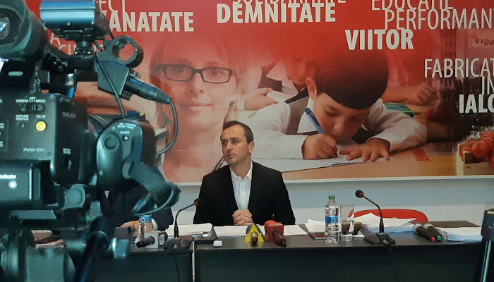"""PSD ia de la """"bogaţi"""" şi dă la """"săraci""""? Deputatul Ştefan Muşoiu: Mulţi reclamă faptul că majoritatea salariilor au scăzut. Eu vă spun că nu este aşa"""