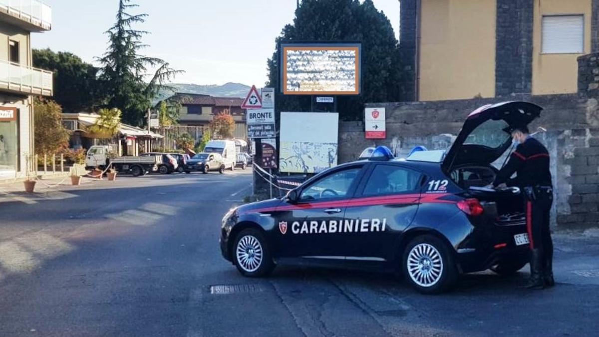 Bronte spacciatore cocaina Carabinieri