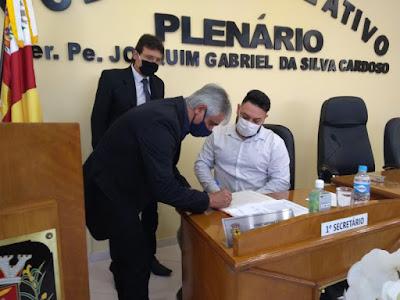 Dinoel Pedroso Rocha assume o cargo de prefeito de Eldorado-SP