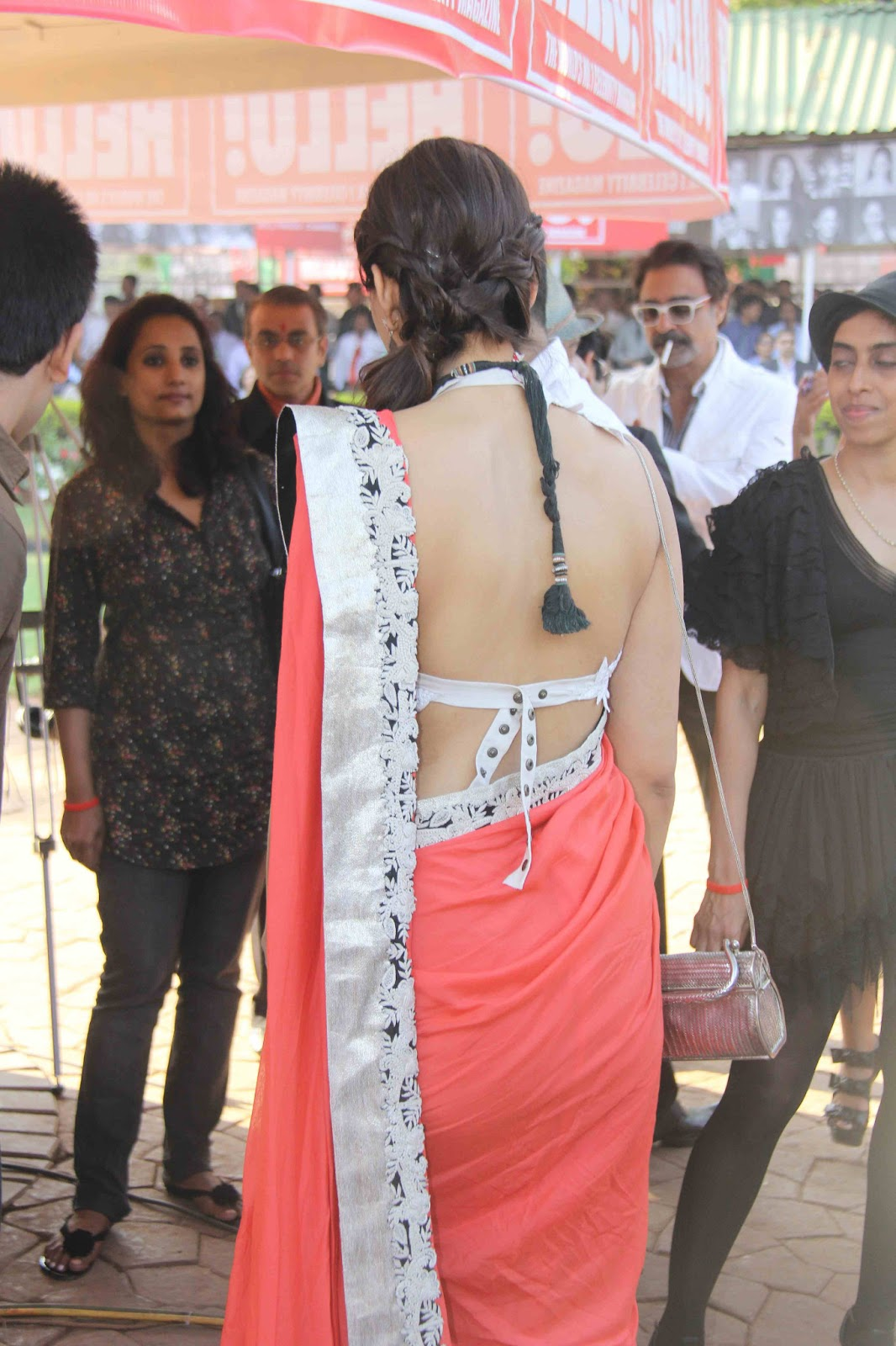 Indian Actress Bollywood Acress Sonam Kapoor Hot Backless -3836