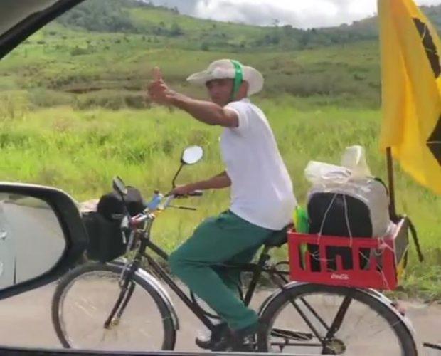 Pagador de promessa que seguia de Bicicleta para Bom Jesus da Lapa morre atropelado na BA-263, em Itapetinga-BA.