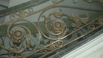 railing tangga besi tempa  untuk rumah mewah
