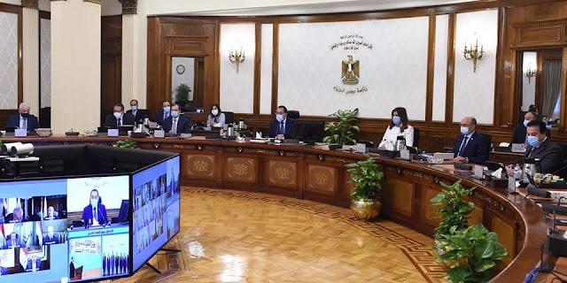 رئيس الوزراء يهنئ الرئيس والقوات المسلحة والشعب المصرى بالذكرى الـ 48 لنصر أكتوبر المجيد