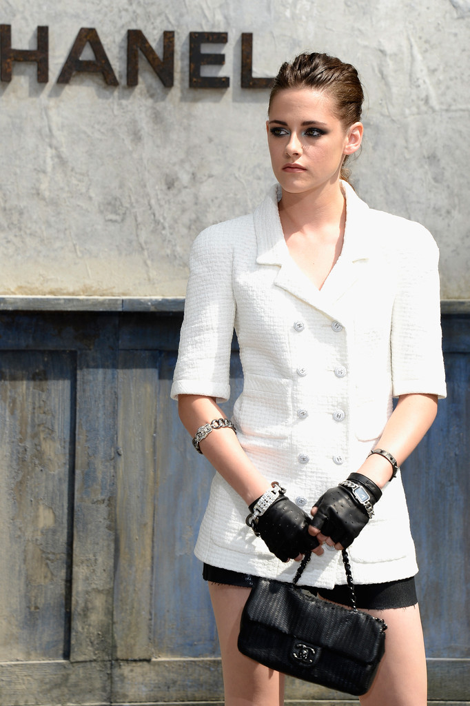kristen stewart in chanel paris haute couture fashion week the non blonde. Black Bedroom Furniture Sets. Home Design Ideas