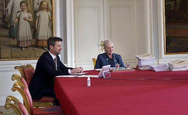 Queen Margrethe, accompanied by Crown Prince Frederik, led the meeting from Christiansborg Castle
