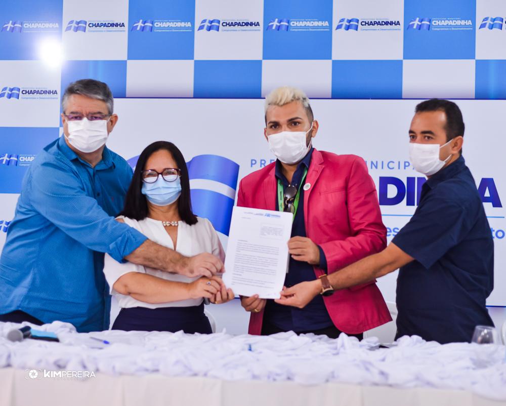 CHAPADINHA | Prefeita Belezinha (PL), assina convênio com Instituto IPEDE que vai garantir Cursos Profissionalizantes e Meia-bolsa de estudos aos Chapadinhenses