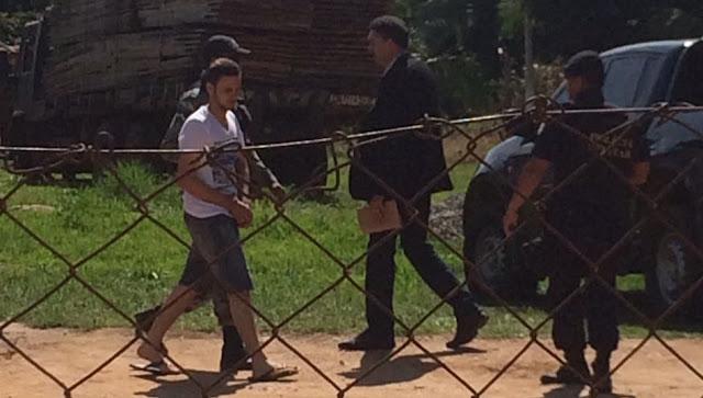 Após execução de Ex-Prefeito de Ministro Andreazza, operação da Polícia em Ministro Andreazza conduz cinco acusados para Delegacia de Helicópteo