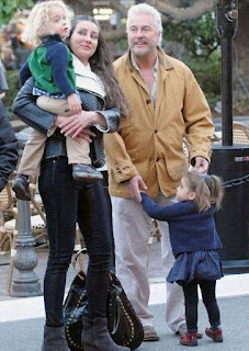 Gina Cirone with her hubby William Petersen and their kids