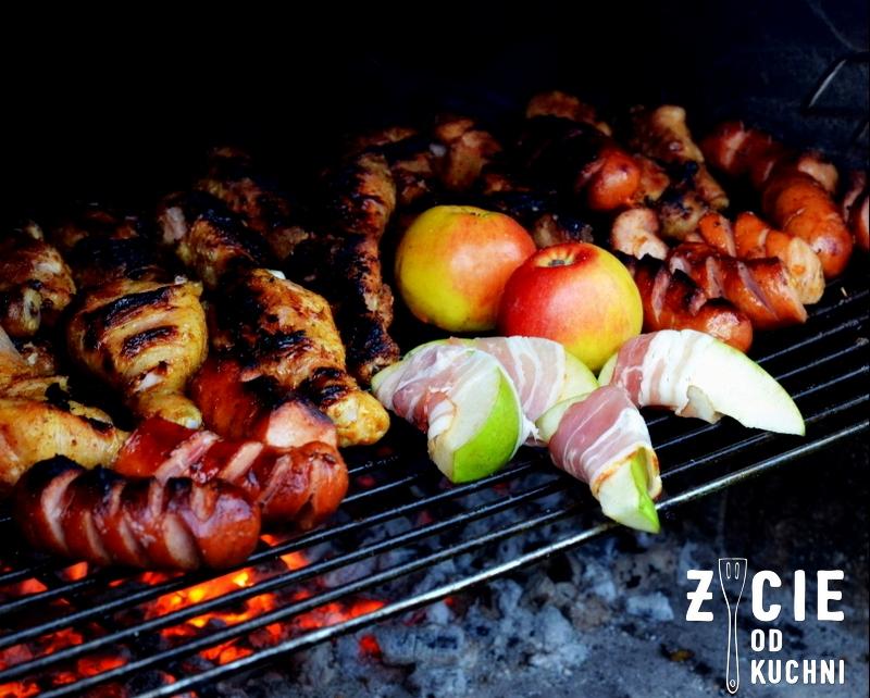 grill, gruszki, boczek, wedzony boczek, dania z grilla, co na grilla, przepisy na grill, jablka z grilla, owoce na grillu, grillujemy, ogrod, maj, majowka,blog, zycie od kuchni