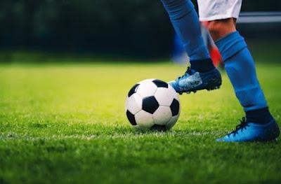 midfielder skill