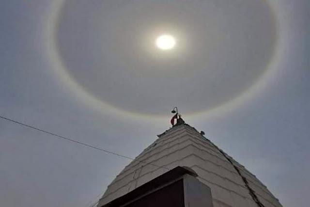 देवघर में बाबा मंदिर के ऊपर दिखा अद्भुत नजारा
