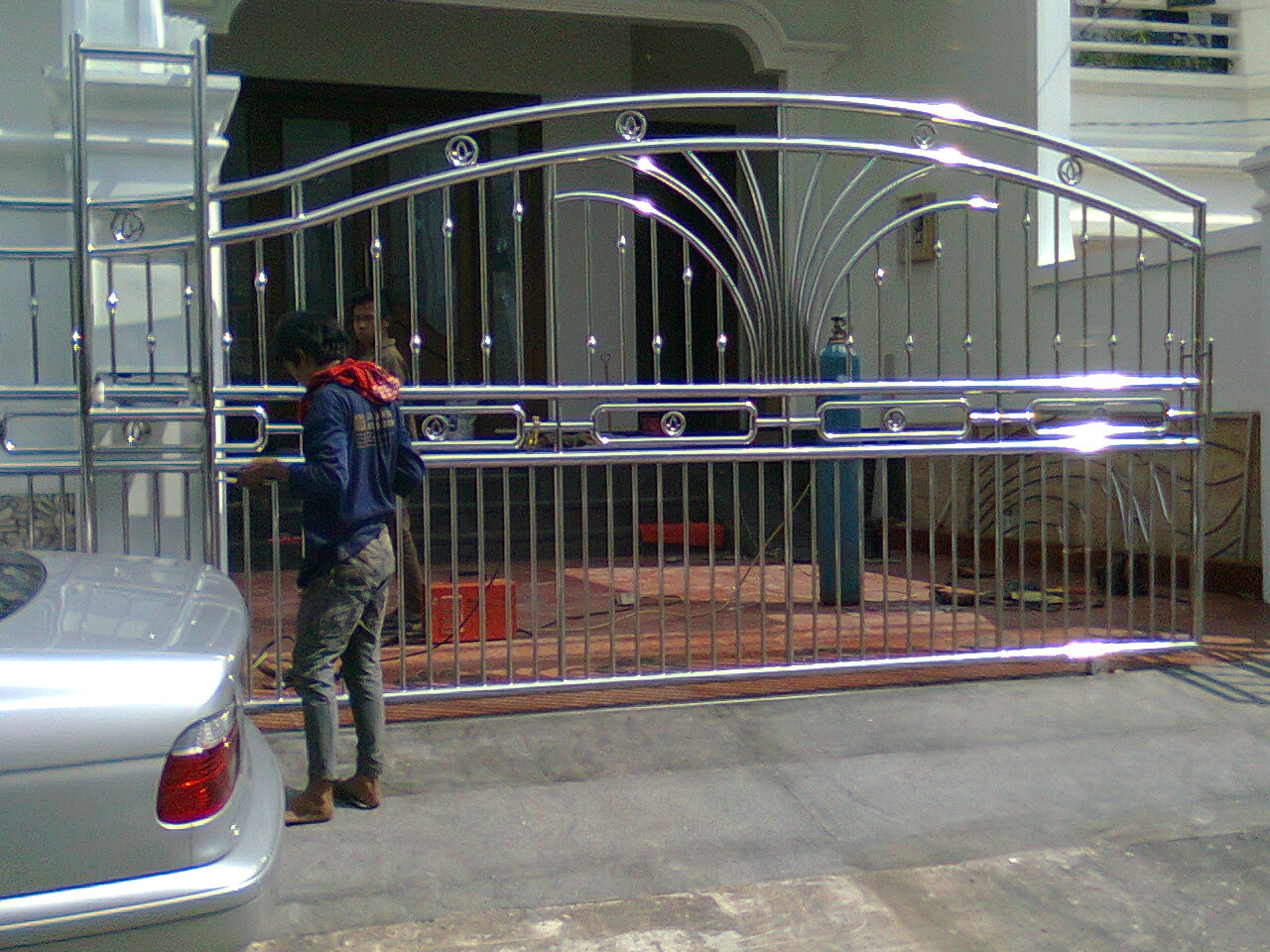 STAINLESS STEEL BESI Pintu Pagar Stainless Steel