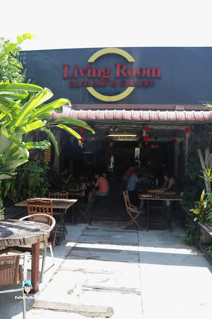 Food paradise living room cafe bar gallery batu for Living room cafe bar gallery