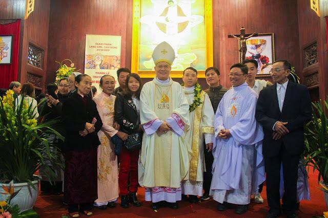 Lễ truyền chức Phó tế và Linh mục tại Giáo phận Lạng Sơn Cao Bằng 27.12.2017 - Ảnh minh hoạ 224