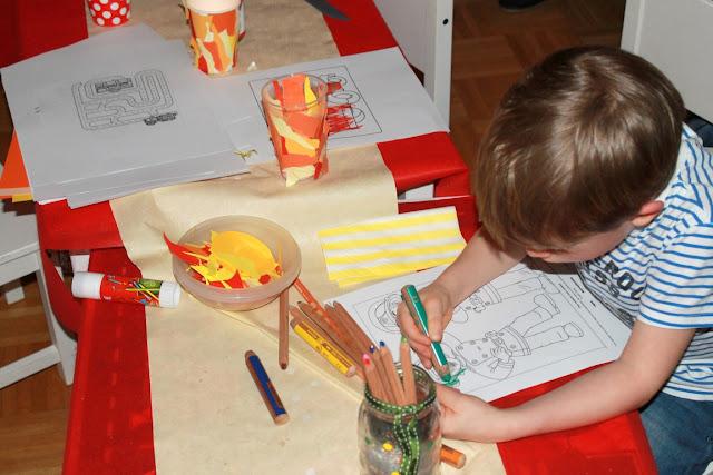 Feuerwehr Geburtstag Kindergeburtstag Feuerwehrmann Sam Jules kleines Freudenhaus Spielidee DIY Lagerfeuer basteln Ausmalbilder