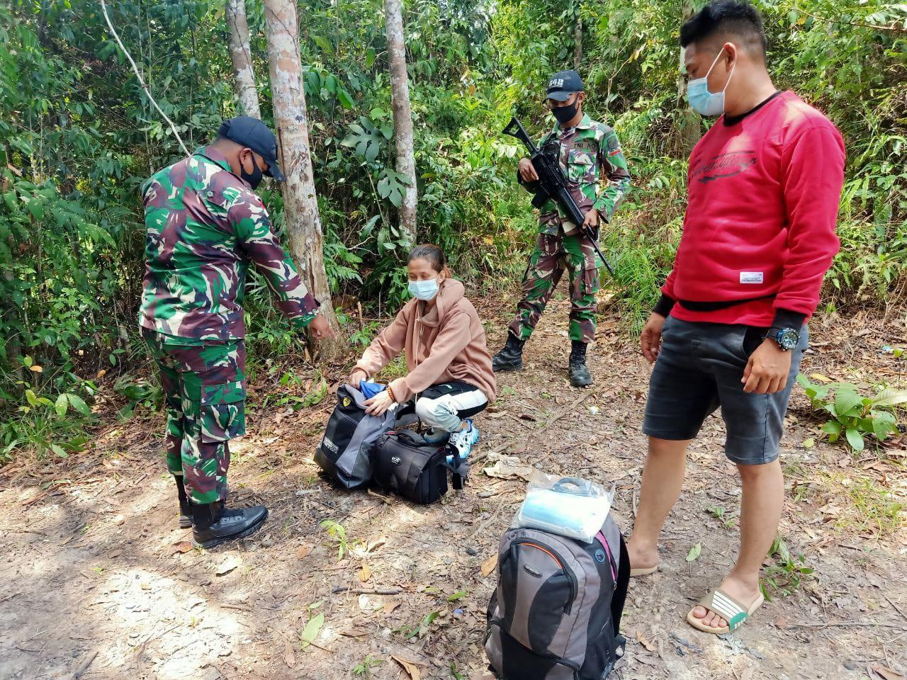 Lagi, TNI Amankan Puluhan Botol Miras Ilegal di Perbatasan Indonesia - Malaysia