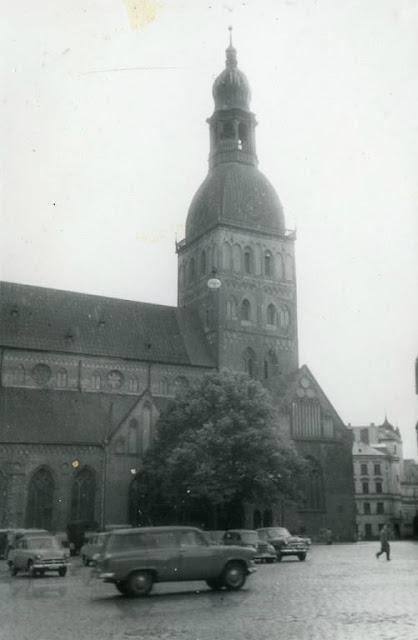 Вторая половина 1950-х годов. Рига. Площадь 17 июня (ныне Домская площадь). Домский собор