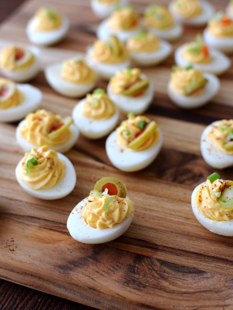 Los huevos de codorniz son un pasapalo elegante y vistoso
