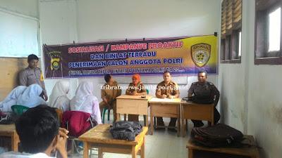 Kapolsek Berbak Polres Tanjabtim, Sosialisasikan Penerimaan Calon Anggota Polri Di SMKN 3 Kabupaten Tanjabtim