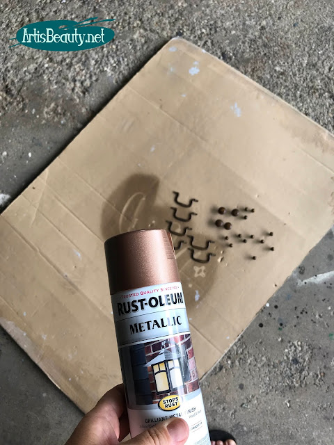 Rustoleum metallic spray paint to refurbish old hardware for furniture