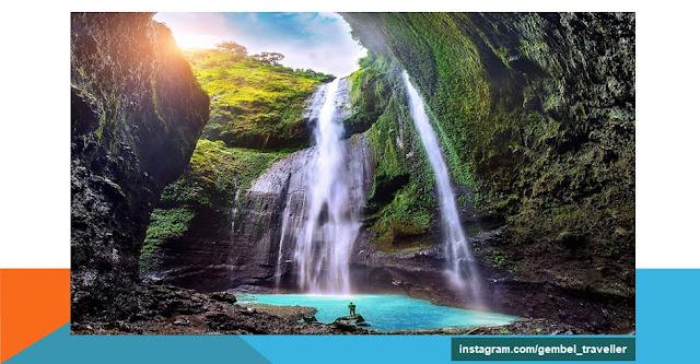 Objek wisata Air Terjun Madakaripura berlokasi di Probolinggo, Jawa Timur.
