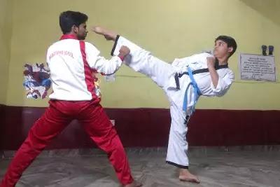 Blue Belt Karate Meaning in Hindi. जानिए कराटे में नीली बेल्ट का मतलब।