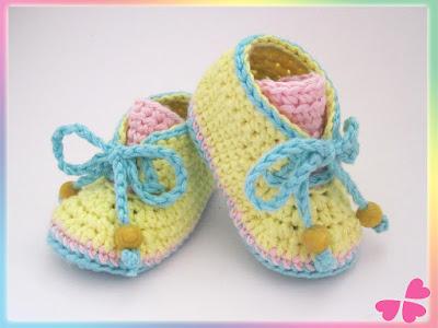 Häkelanleitung: Babyschuhe zum Schüren (Frühchen bis 1 Jahr) - myboshi Wolle