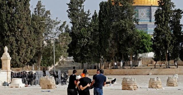 Palestinians, Israeli police conflict at Jerusalems Al-Aqsa compound