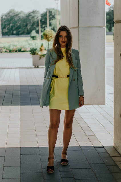 Yellow and mint outfit