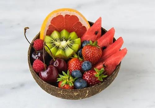 berikan buah untuk memenuhi kebutuhan vitamin anak