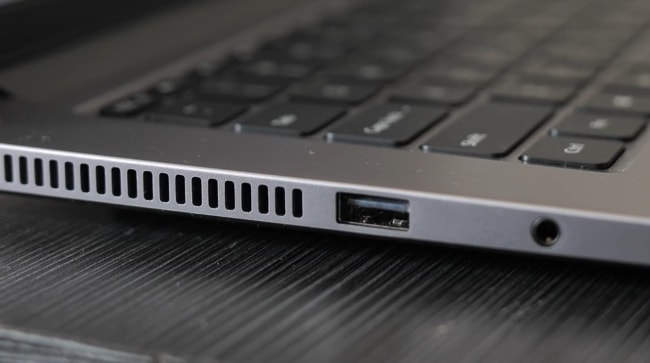 Ports on the left side of the Mi Notebook 14 Horizon Edition.