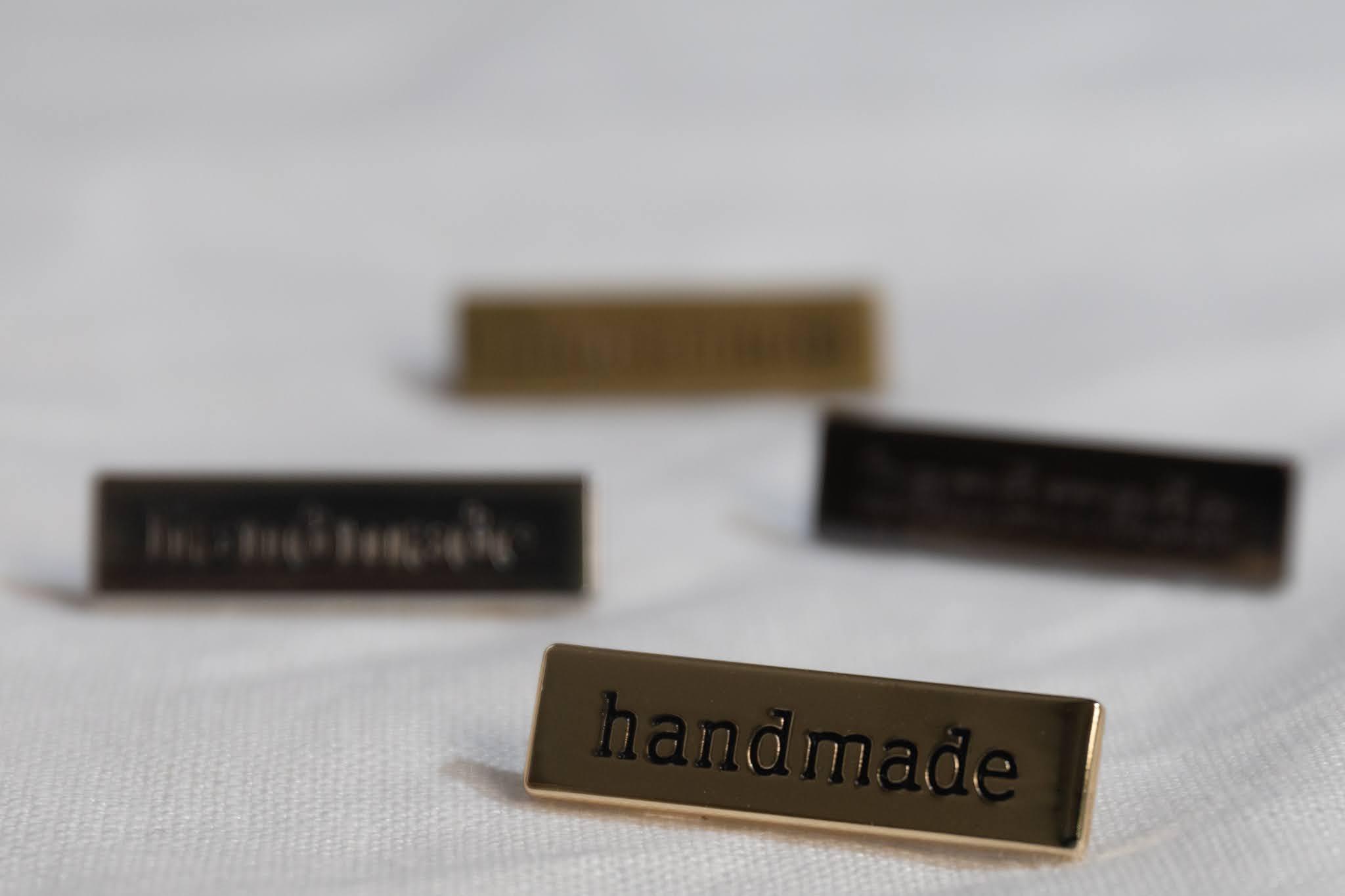 Handmade rintaneula